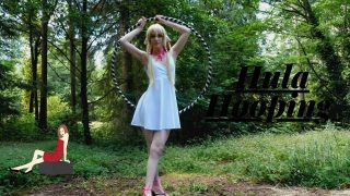 Hula Hooping Dance Workout – Chi from Chobits Cosplay